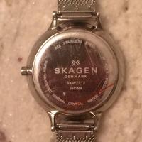 SKAGEN(スカーゲン)の電池交換は一人でやると危険?メリットデメリットを調査!