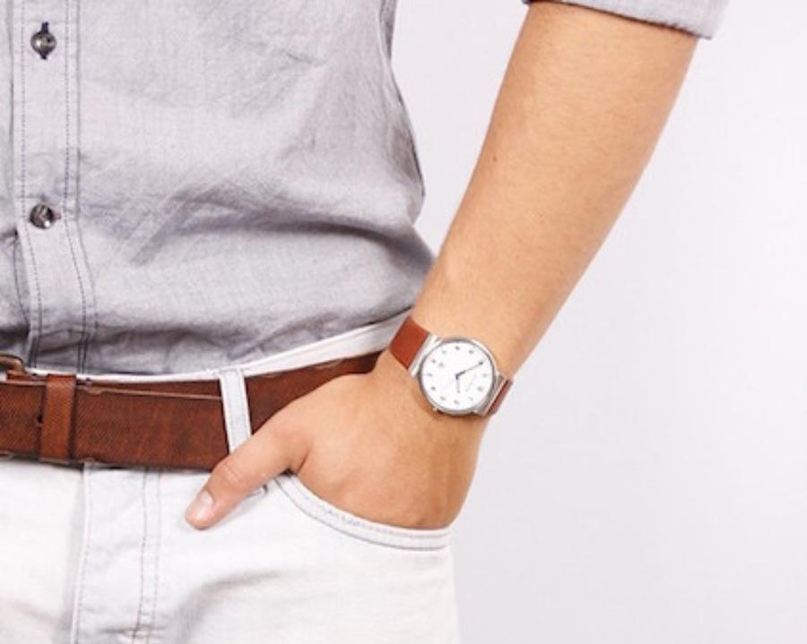 軽い腕時計の人気モデル13選!価格や口コミも!【2021年最新】