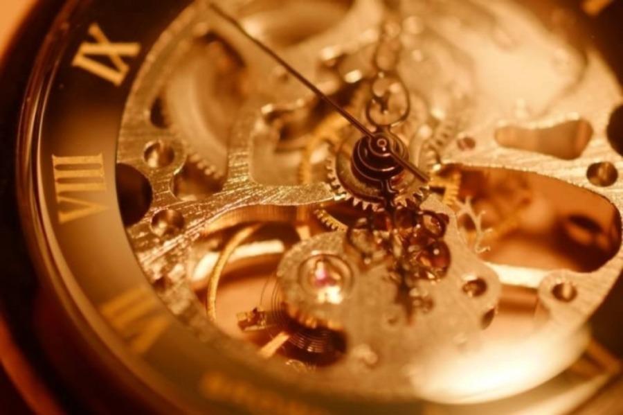 機械式時計とはどんな時計?クォーツとの違いや魅力、おすすめモデル13選も紹介!