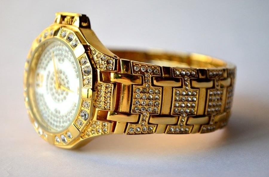 世界一高い腕時計は何?いくら?歴代ブランドランキング21選を紹介!
