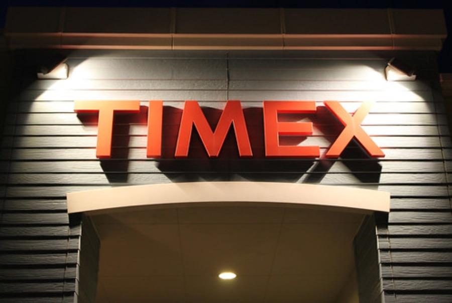 タイメックスサファリの口コミや評判は?映画で使用されていた腕時計!