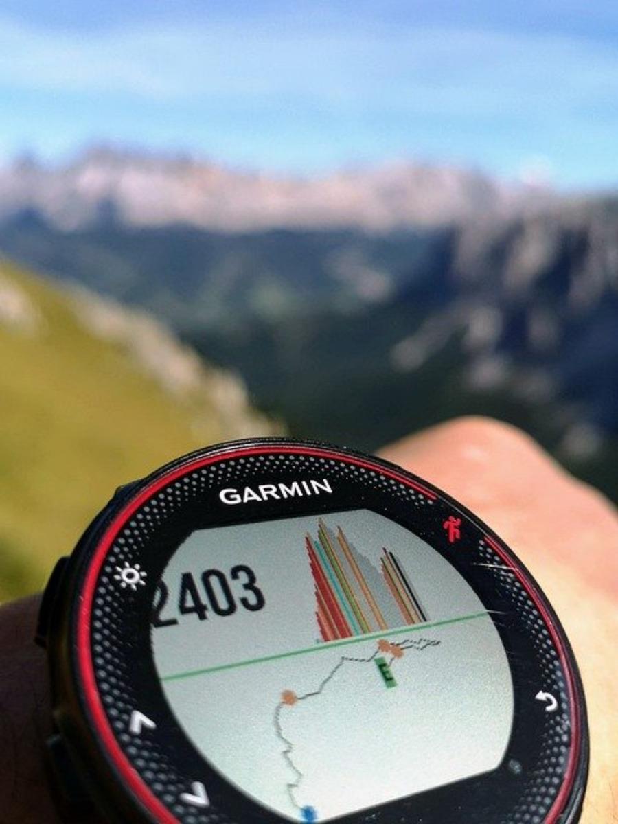 ForeAthlete(Garmin)の人気ランキングを発表!価格から特徴・機能も紹介!