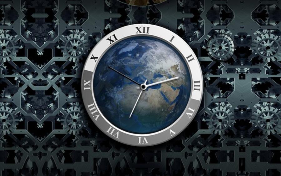 アナログ時計で方角を知る方法は?非常時に役立つこと間違いない!