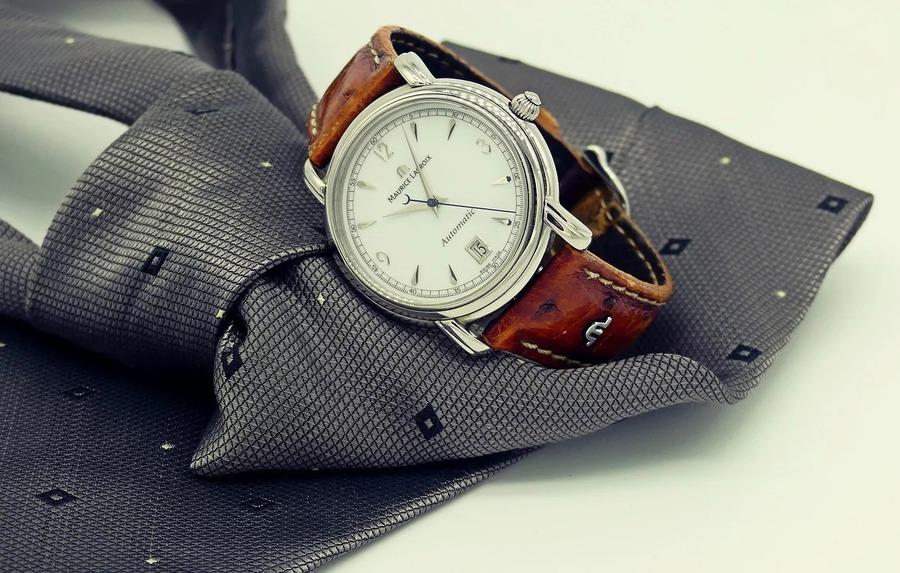 冠婚葬祭の腕時計はどうするべき?色は?オススメの時計9選も紹介!