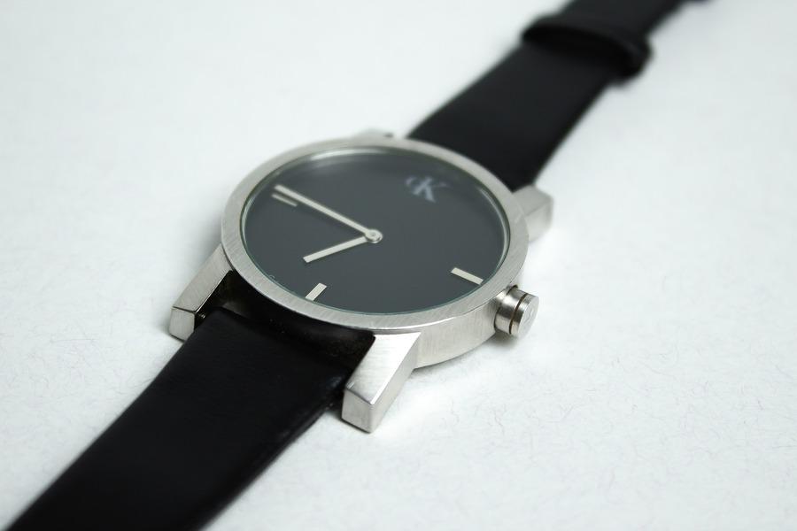 腕時計の電池交換を100均のダイソーでやってみた!やり方や工具を解説!