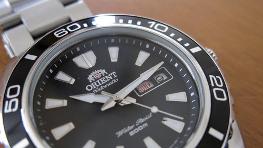 麻生太郎さんの腕時計を徹底解説!ブランドから値段も紹介!