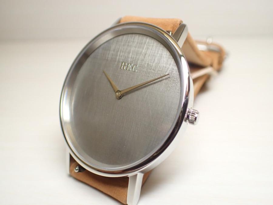 ミニマリストにおすすめの時計ランキング13選!時計は捨てるか捨てないかも調査!