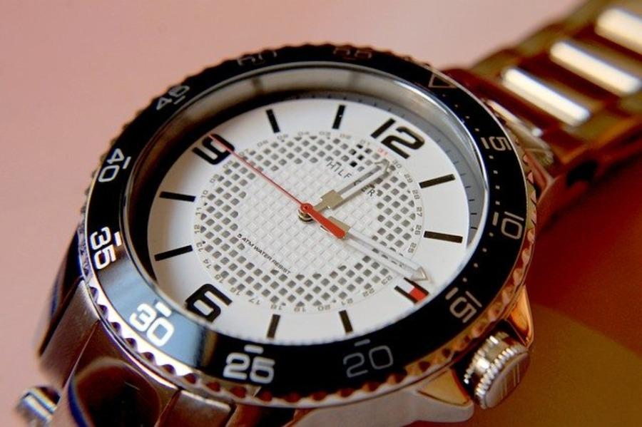チュードルの腕時計の評判・評価は?歴史やロレックスとの関係も紹介!