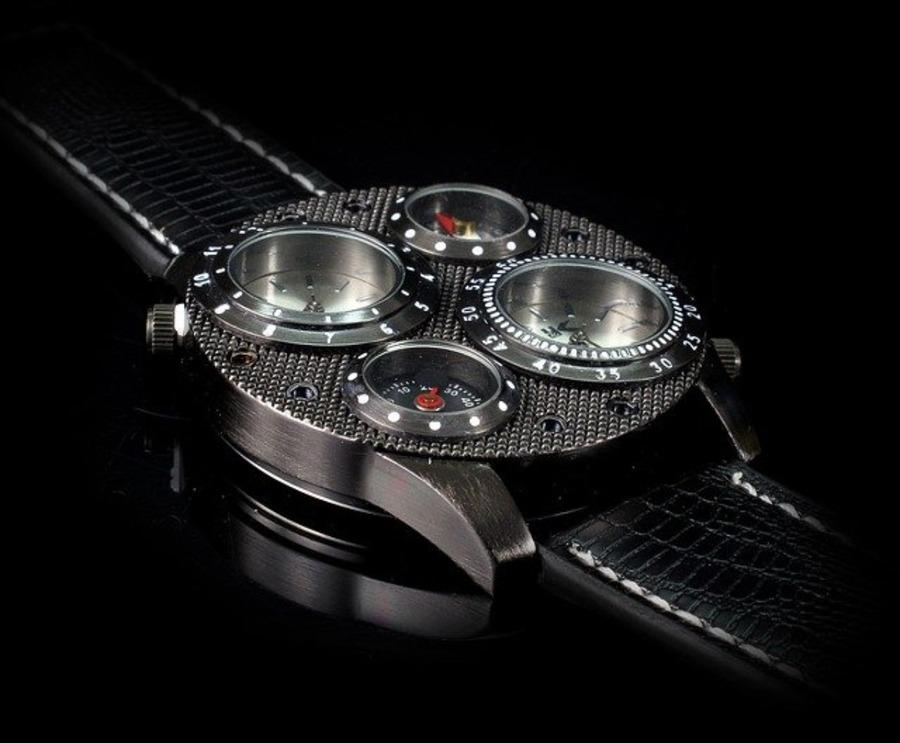 変わった腕時計14選を紹介!安いブランドから高級なブランドまで紹介!