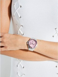 GUESS(ゲス)のレディース人気腕時計4選!女性の口コミや価格も一緒に紹介!