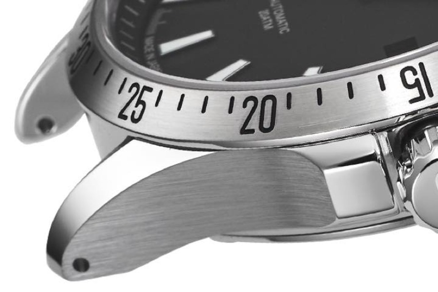 サテン仕上げとはどんなもの?代表的な腕時計ブランドも紹介!
