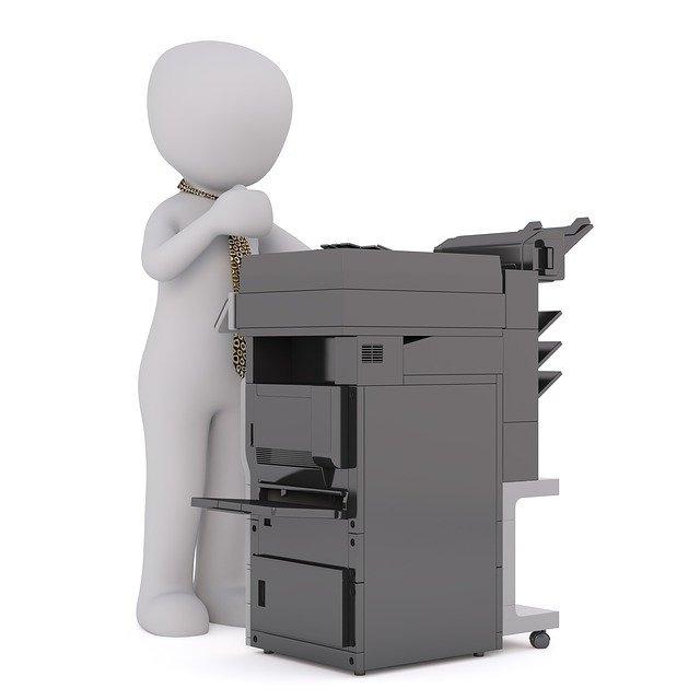 印刷もできる複合機で名刺スキャンができる