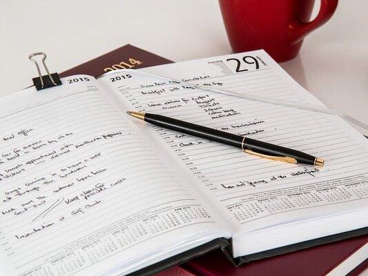 デキる人は手帳を活用している?手帳の書き方と活用術を徹底解説