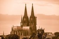 ケルン大聖堂(ドイツ)は世界遺産!歴史・高さや観光の見どころを紹介