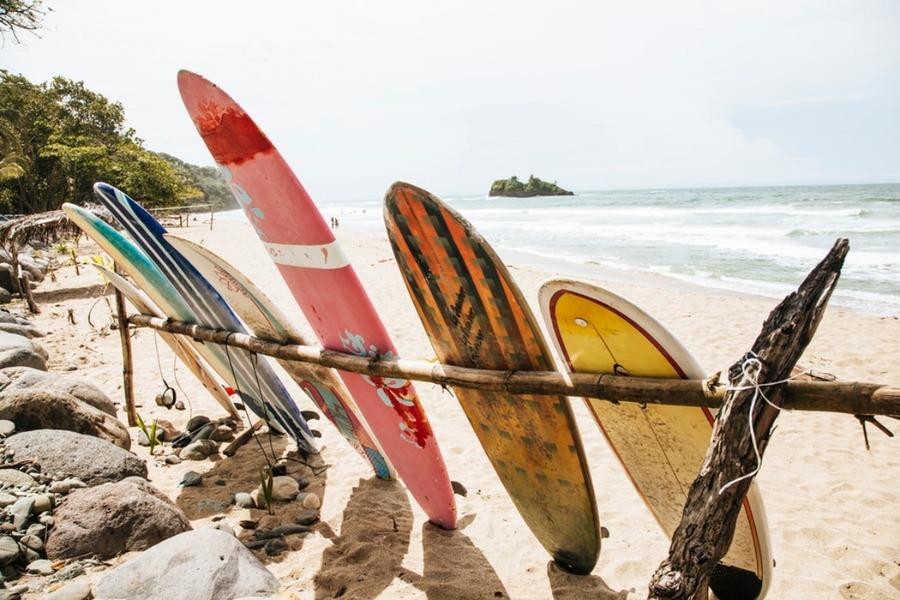 グアムでサーフィンを楽しむポイントは?ショップやレンタル情報も