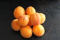 黄金桃の特徴!食べ頃や美味しい食べ方・黄桃との違いについても紹介