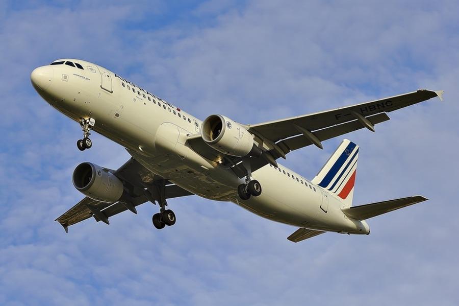 エールフランスの機内食はまずい?エコノミークラスのメニューは?