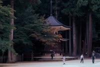 高野山・奥之院は神聖な霊域!参拝順番の見どころやお守りなどを紹介