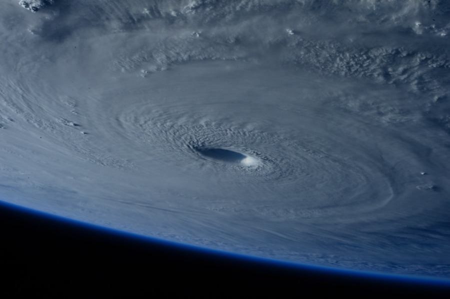グアムの台風の時期はいつ?天気・気候やおすすめのシーズンを紹介