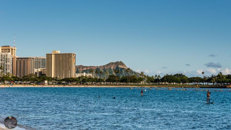 ハワイでおすすめのサーフィンスポット8選!初心者向けツアーやレンタルも!