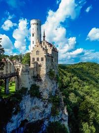 リヒテンシュタイン城はドイツの「妖精の城」!行き方や見どころを紹介