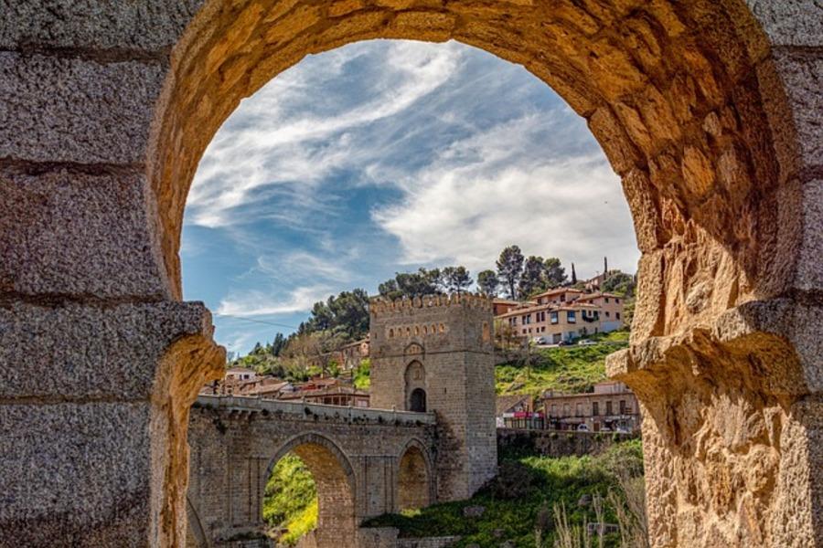 トレド観光のおすすめを紹介!スペインの古都の見どころや行き方など