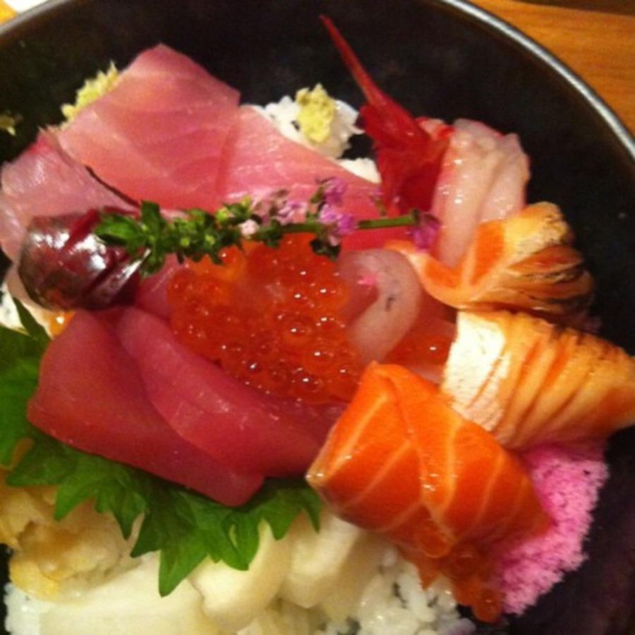 豊洲市場の海鮮丼!ランチにおすすめの安くて旨いお店も紹介