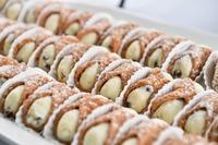 カンノーロは映画ゴッドファーザーに出たイタリアのお菓子!販売店も紹介