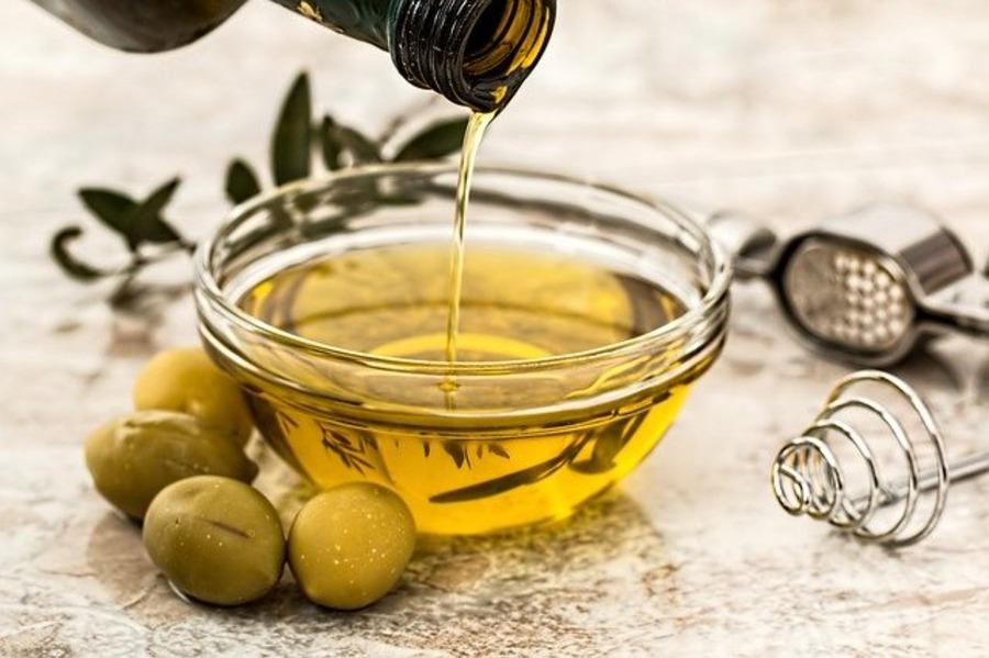 コストコのオリーブオイル!小分けのオリーブ油などおすすめ商品を紹介