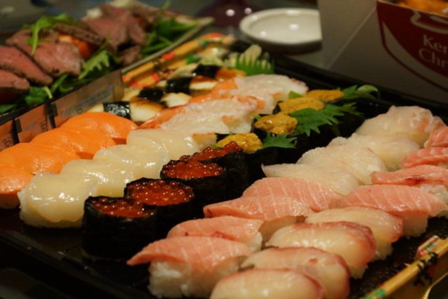 お寿司の糖質・カロリーは?糖質制限中に人気の回転寿司店も紹介