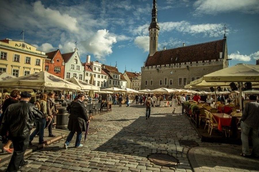 エストニアの首都タリンの観光スポットやおすすめのお土産を紹介