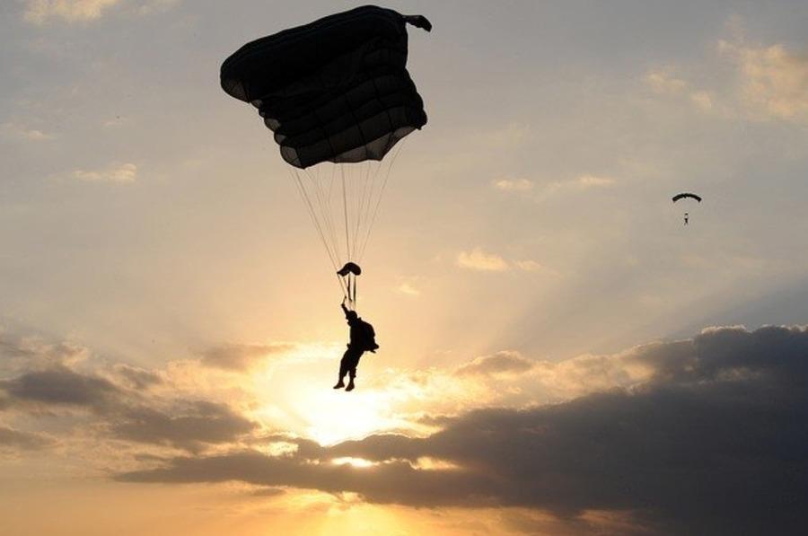 ハワイでスカイダイビングを体験しよう!おすすめの会社や予約方法も紹介
