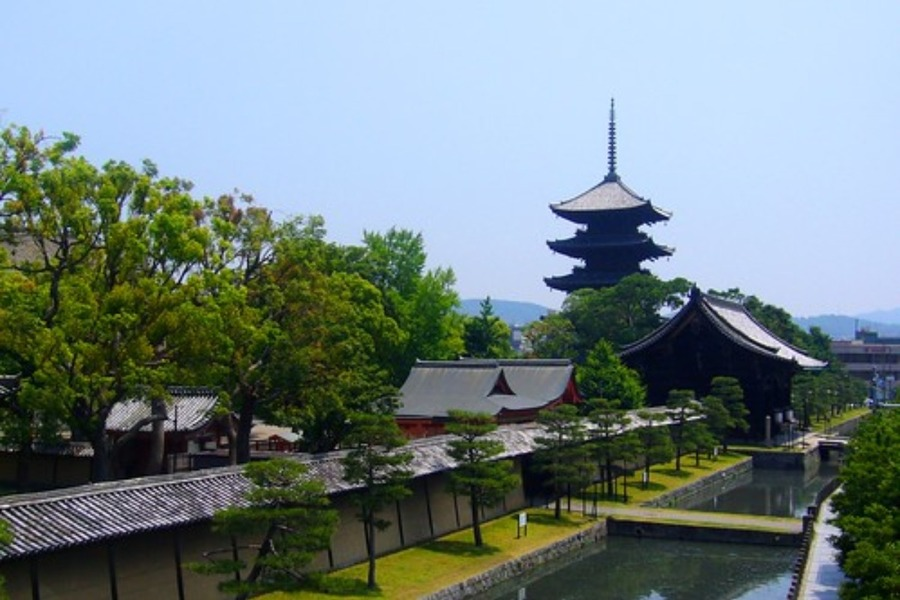 東寺(京都)駐車場まとめ!無料の駐車場?料金や場所・安い駐車場も紹介
