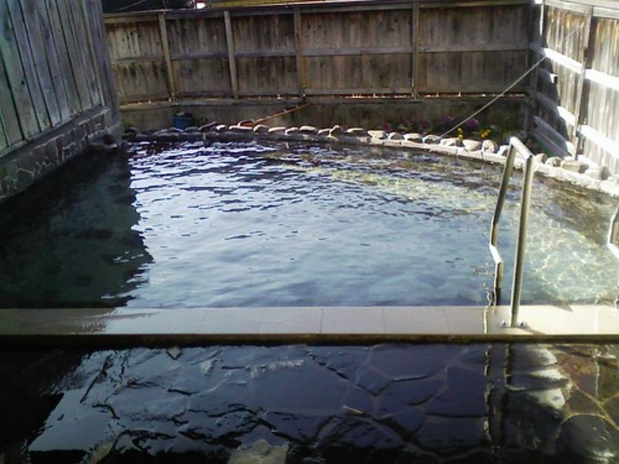 尖石の湯で日帰り温泉!湯治やジュース断食•アクセス方法も紹介