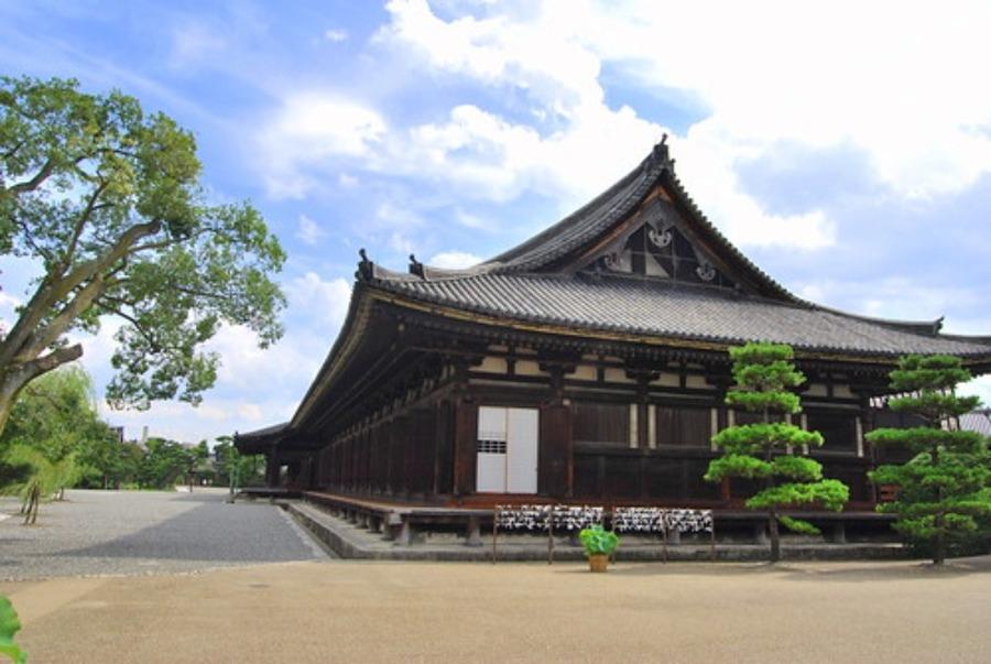 三十三間堂(京都)の見どころは?参拝料や人気のスポットも紹介