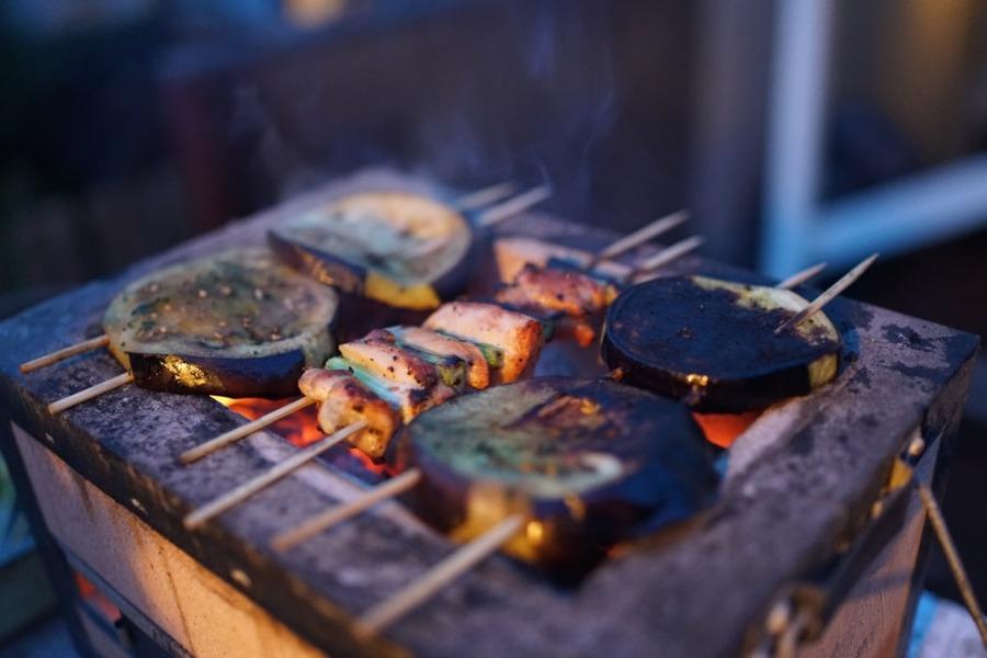 西成・やまきのホルモン焼きはタレが激旨!システムや料金も紹介