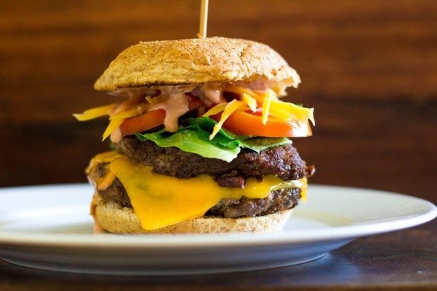 ハワイのハンバーガー人気ランキング!おすすめ店や値段を紹介