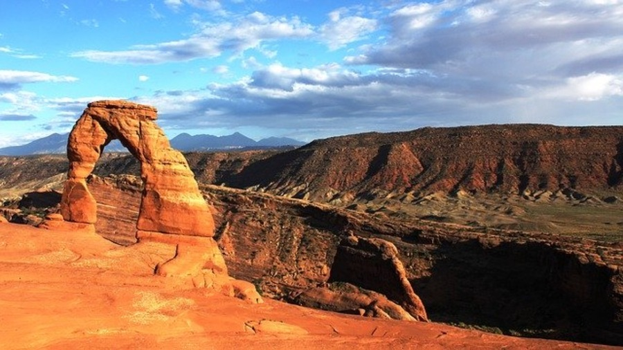 アメリカで観光におすすめの国立公園20選!お得な年間パスやキャンプも!