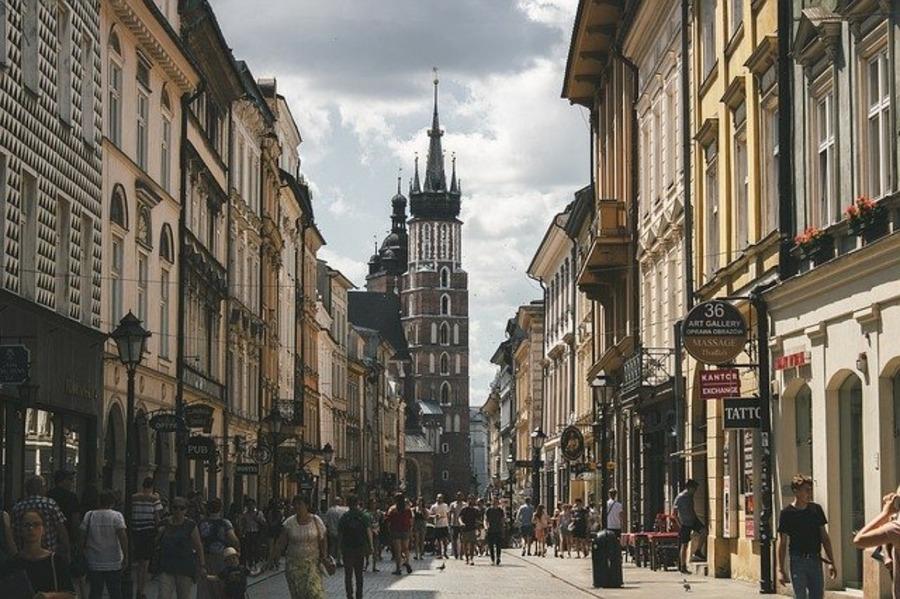 クラクフはポーランドの古都!ヴァヴェル城や世界遺産など観光スポットを紹介