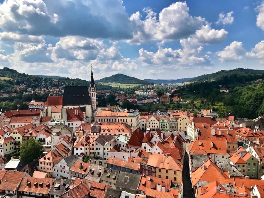 チェスキークルムロフはチェコの世界遺産!お城観光や周辺ホテルを紹介