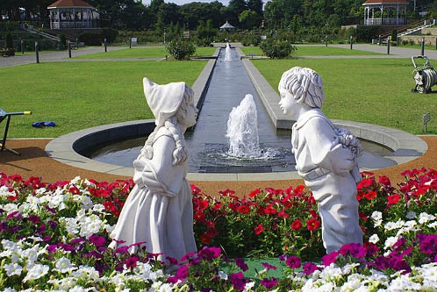 敷島公園ばら園は群馬県前橋市の人気スポット!見どころなど紹介