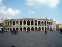 ベローナ(イタリア)は世界遺産の街!おすすめ観光スポットを紹介