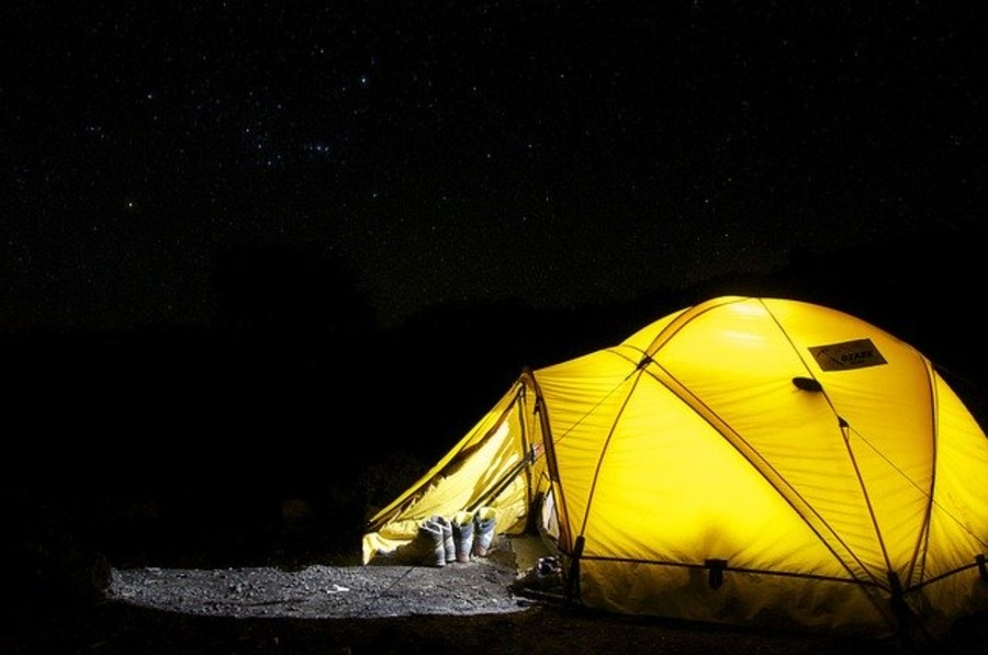 野営とは?野営地の探し方やソロキャンプに必要な装備を紹介