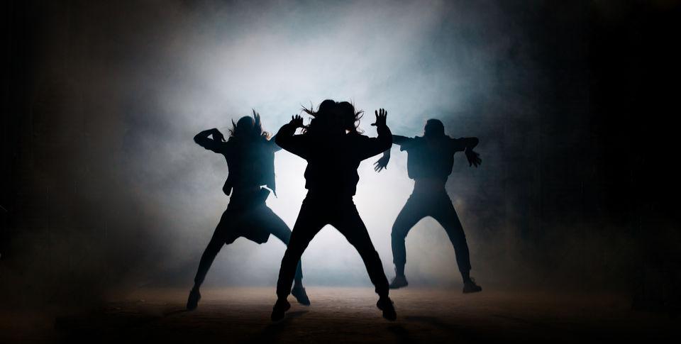 動画で学ぶダンスステップ「ボビーブラウン」!