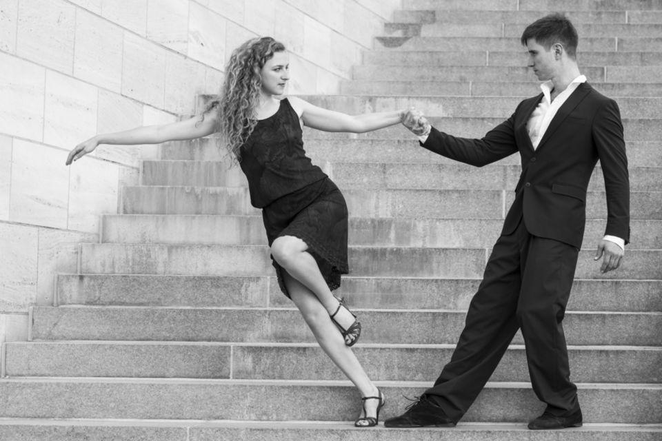 動画で学ぶダンスステップ「チャールストン」!その歴史から練習方法まで