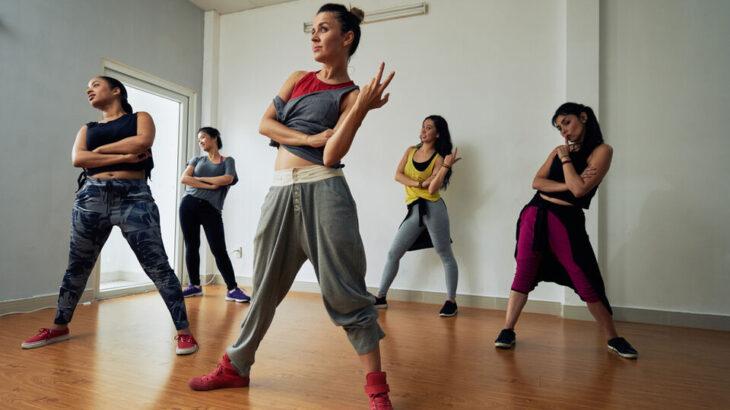 【ダンス初心者】大人から始める第一歩! 練習方法や必要なモノなど【20 代〜40 代】