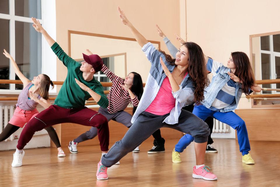 動画で学ぶダンスステップ「ホーシング」!
