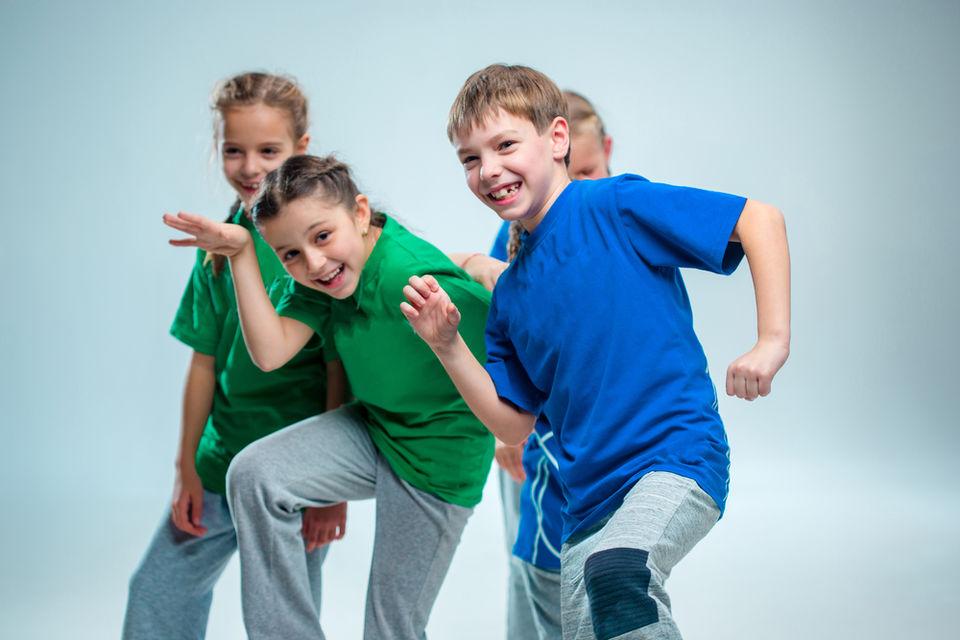 動画で学ぶダンスステップ「スティーブマーティン」!名前や練習方法を紹介