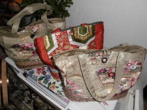 こんなバッグも作っておられます。ご希望の方は直接「手しごとや豊橋」へ