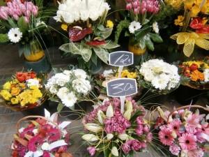 旧市街にある花屋さん。男性から女性へのプレゼントはやはり花束が定番
